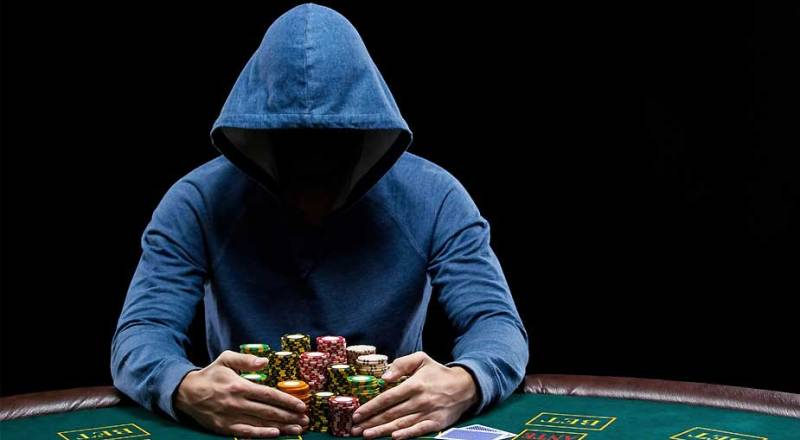 3 Artis Hollywood Yang Doyan Bermain Poker